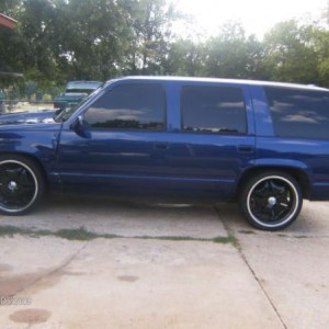 my blue yukon on 22s