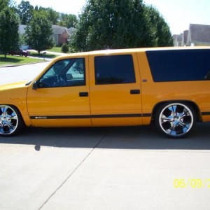 "my(Gabe)1993 suburban bagged sittin' on 22"" ADR XCLUSIVE WHEELS"