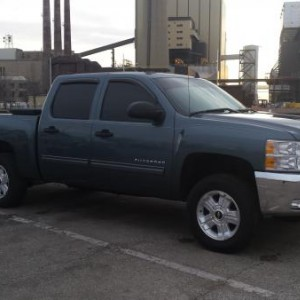 "New 2011 CCSB 3"" leveling kit and 5% tint all the way around"