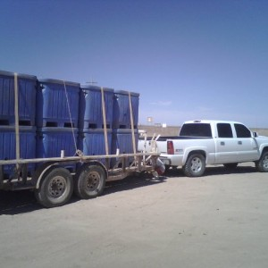 Here's my truck before lifting it towing 8 Bins of 600kg (400kg of Shrimp & 200kgs of ice). I was lucky i didn't broke anything.