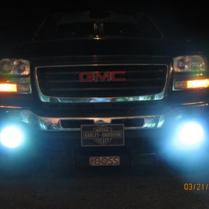 8000k Lows and 6000K Fogs.  Fogs look like 8000K in this pic.