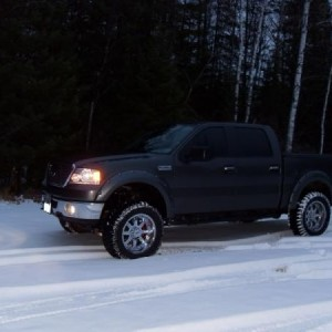 "Winter Pic--old rims/tires 35"" Procomp Xtreme AT's on 20x10 MotoMetal 954's"