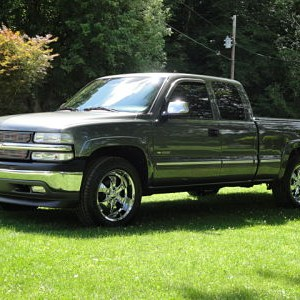 7 18 09 New 20 rims on Z71 with 30,355 miles on it! 019 opt